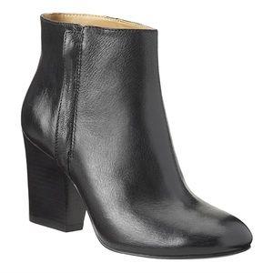 Nine West Darsy ankle booties block heel black